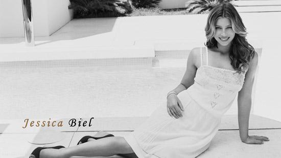 Black-and-White-Jessica-Bie